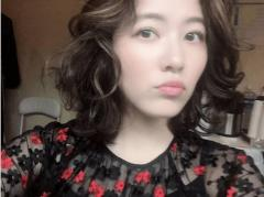 松井珠理奈、クルクル巻いた新髪型が大不評「昭和のスナックにいそう?」