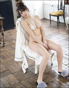 森咲智美、過激な「エロスタグラム」で男性ファンを悩殺!