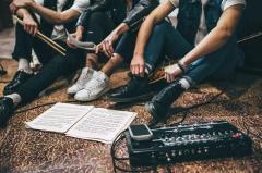 紅白出演の人気バンドAが特大スキャンダル発覚でもうすぐ解散か!?