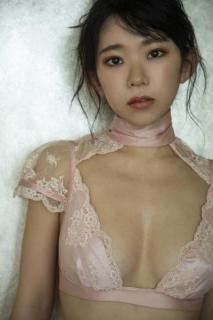 長澤茉里奈の最強合法ロリ巨乳を国民的女優・二階堂ふみが激写!
