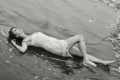 香里奈、ビショ濡れ先行カット 7年ぶり写真集で完全復活なるか