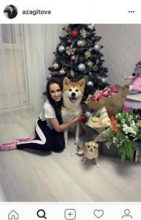 渦中のザギトワ、愛犬マサルとの笑顔ショット公開で「いいね」10万超大反響