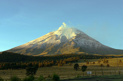 Mexico-Popocatepetl