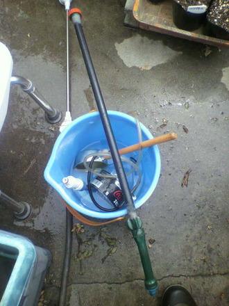 P1006938液肥の散布