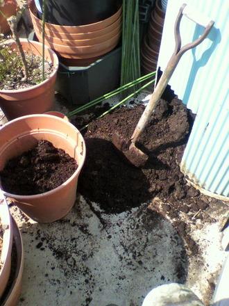 堆肥サイロから