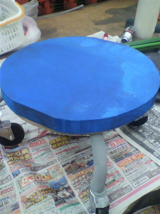 P1005844コロコロ椅子の修理3