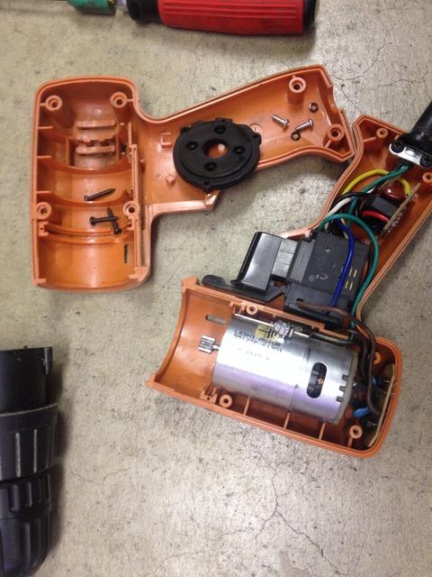 電動ドリル、電動ドライバー分解