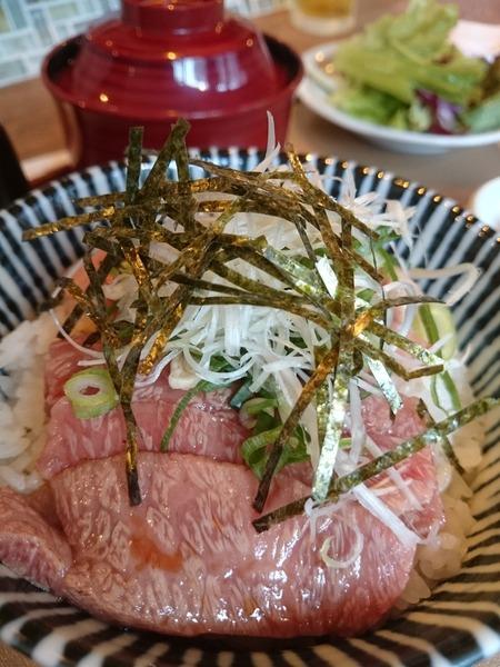 近江牛の牛トロ丼 (2)