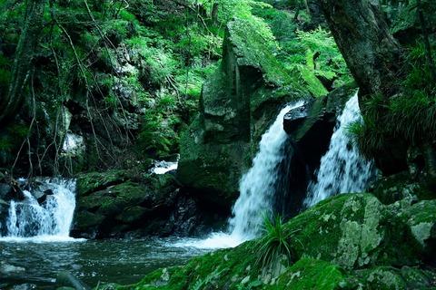 滝川渓谷の滝