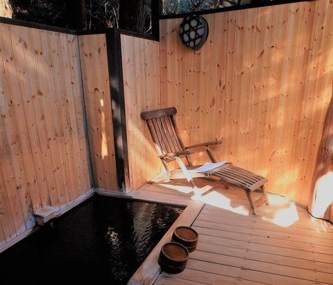 温泉露天風呂付客室です
