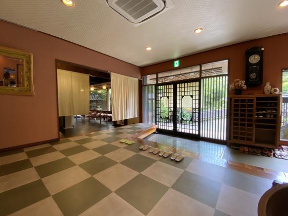 竹の葉館内入口