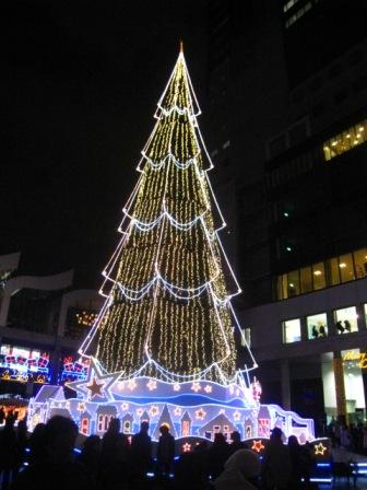 世界最大級のクリスマスツリー