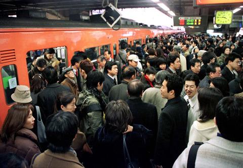 東京の通勤ラッシュ、異常すぎる