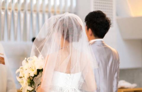同僚A「結婚します!!!」ワイ「おめでとう!」上司「おめでとう!」