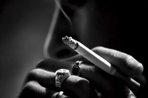 喫煙者「煙草? 吸わない方がいいよ(笑)」←これ