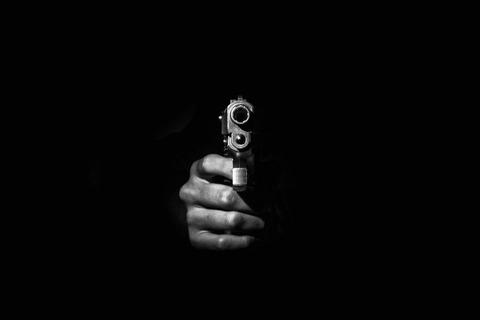 警察学校の10代男巡査二人、ふざけて同僚に銃口を向けて書類送検