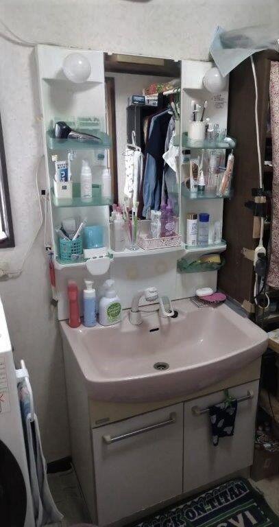 洗面化粧台 施工前 (3)