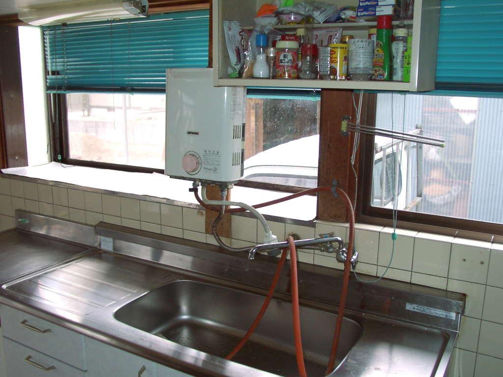 瞬間湯沸かし器の水圧、水量