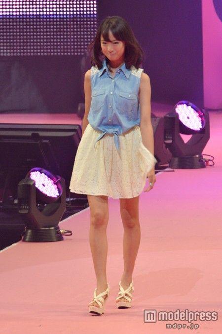 ファッションモデルの大友花恋さん