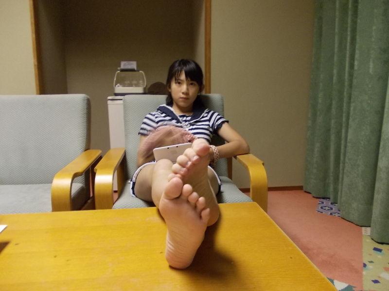 【画像】女子小学生がマンコが見えそうなショートパンツを履いてる [転載禁止]©2ch.net [342992884]YouTube動画>5本 ->画像>231枚
