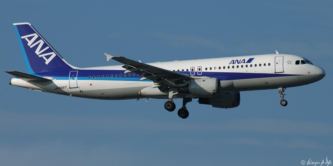05 A320-211 8997 050531-350x1280