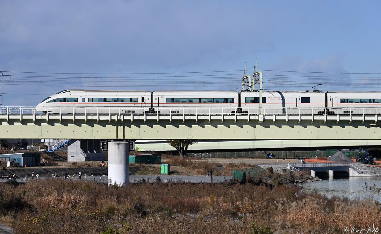201216M-048x1280 B