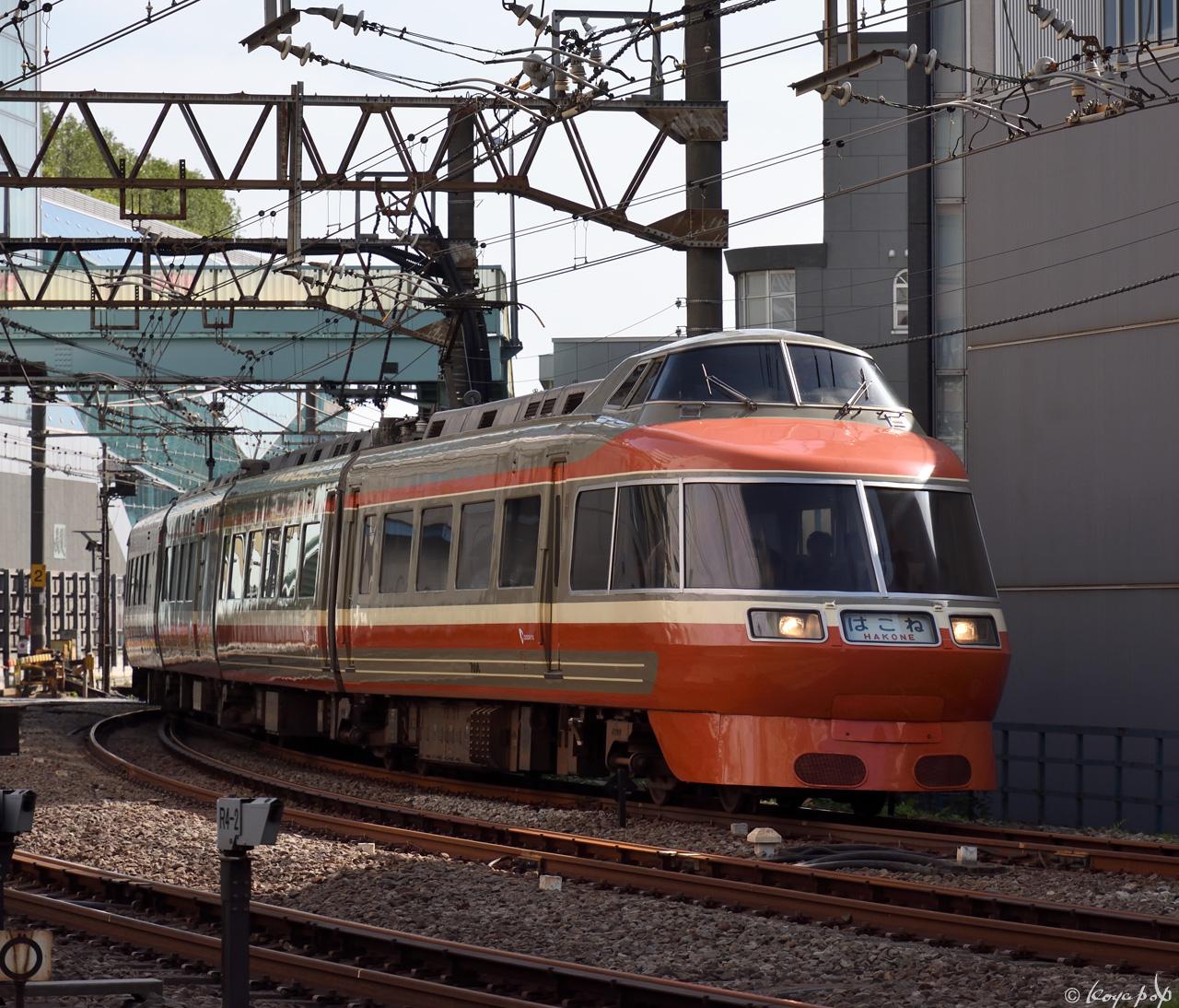 180607R-214x1280-1
