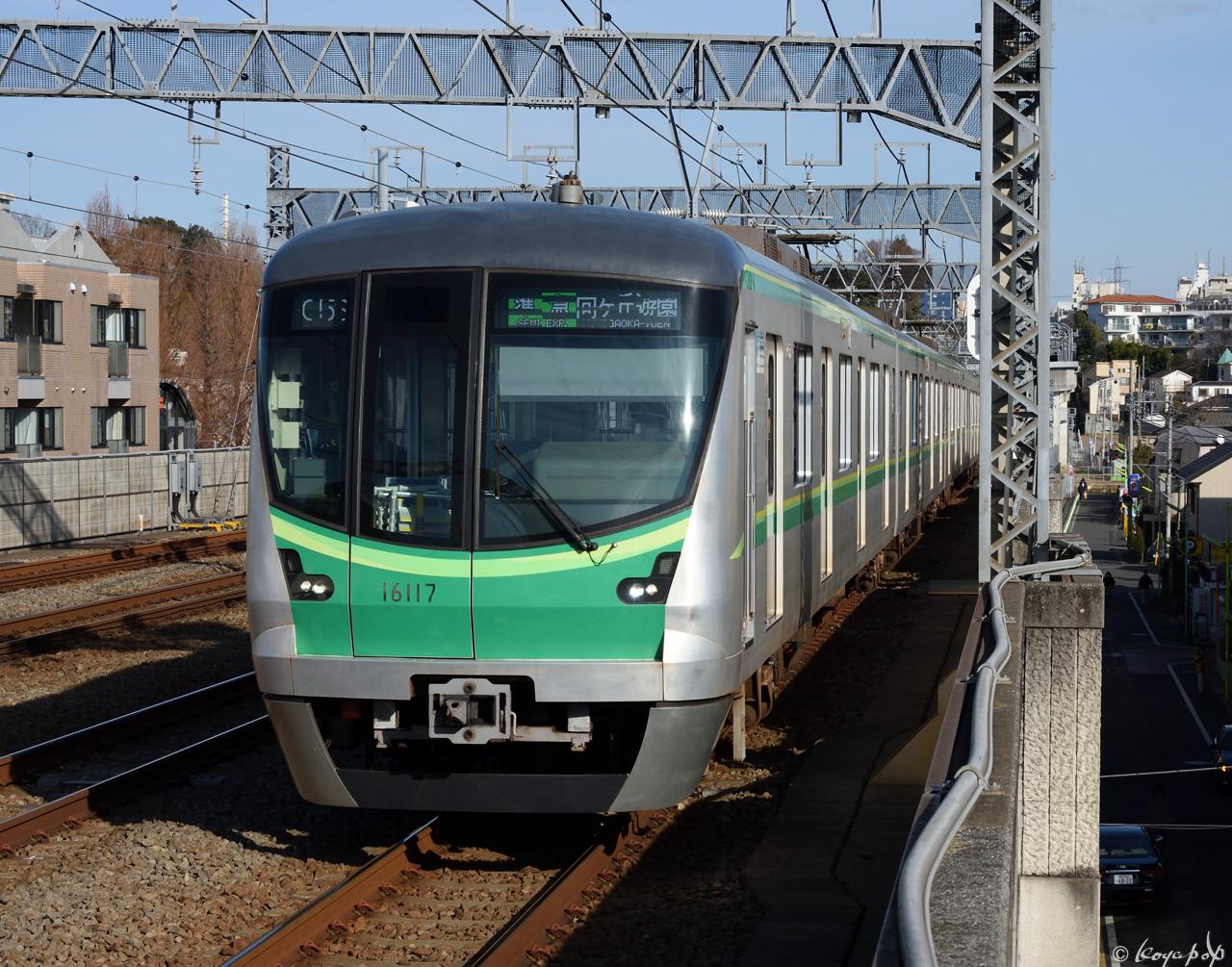 200119R-031x1280 喜多見駅 単独