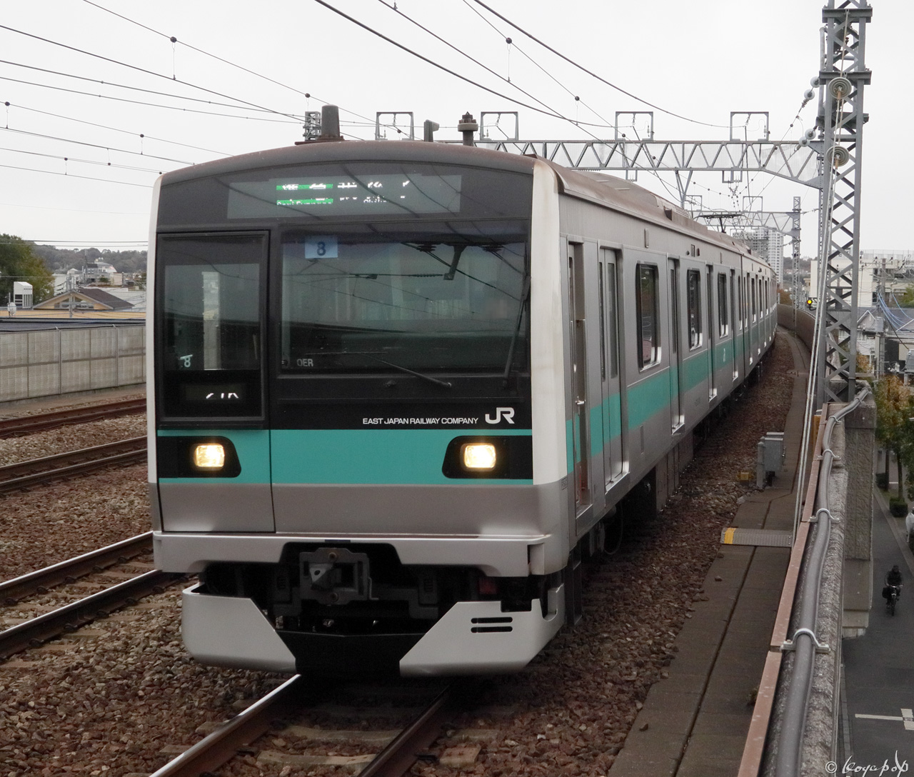191128C-031x1280 狛江駅単独