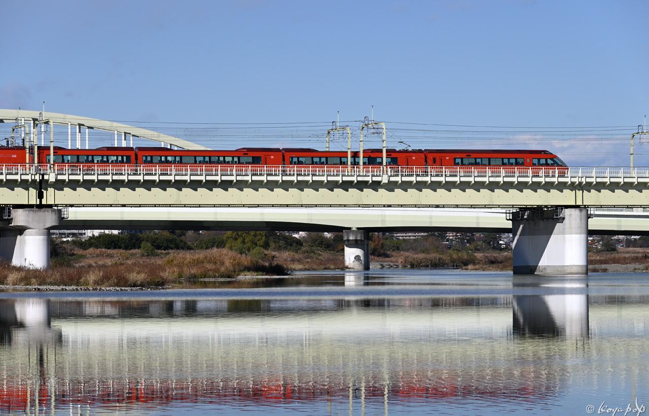 201216M-141x1280 単独