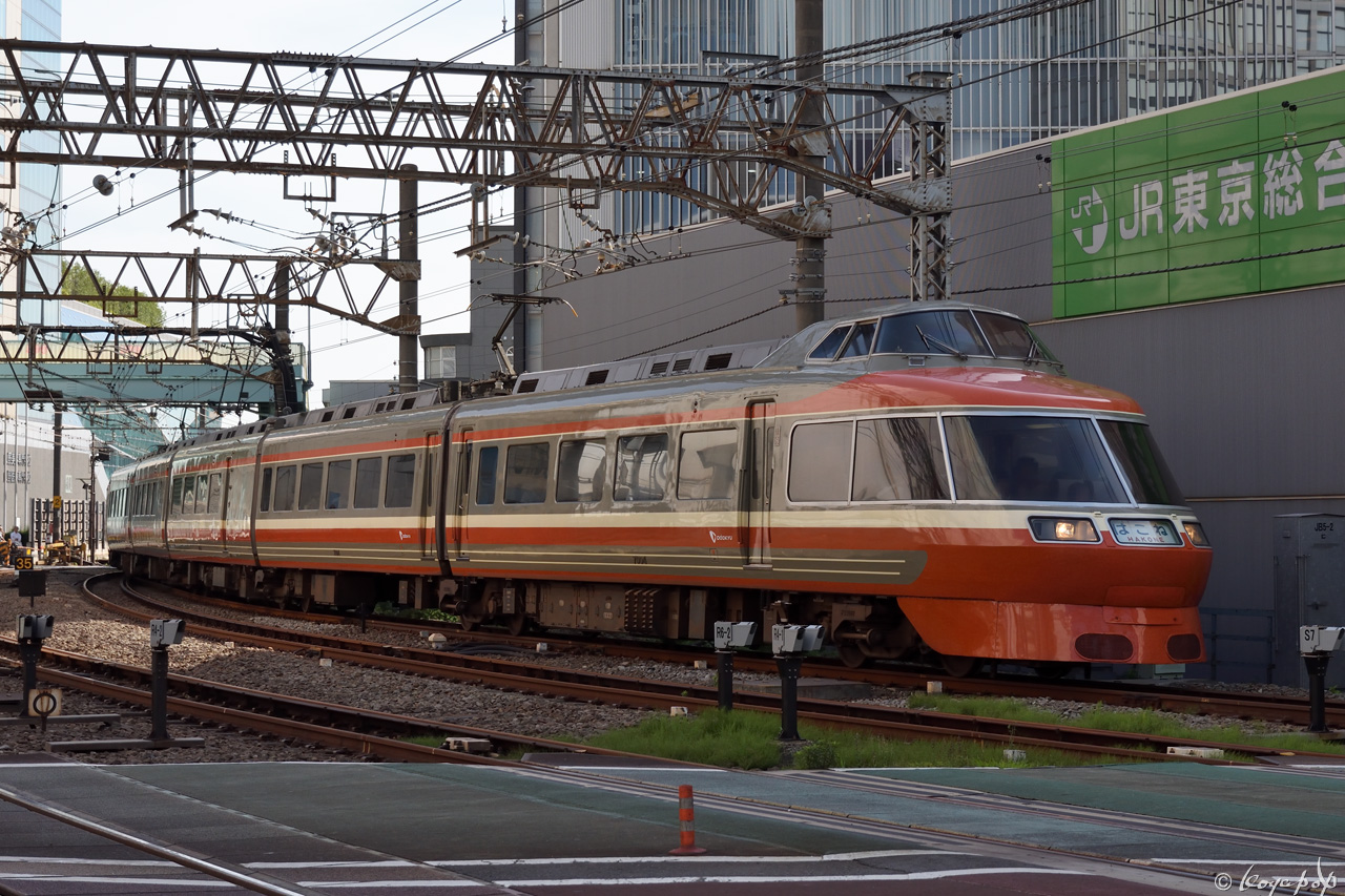180607R-218x1280-2