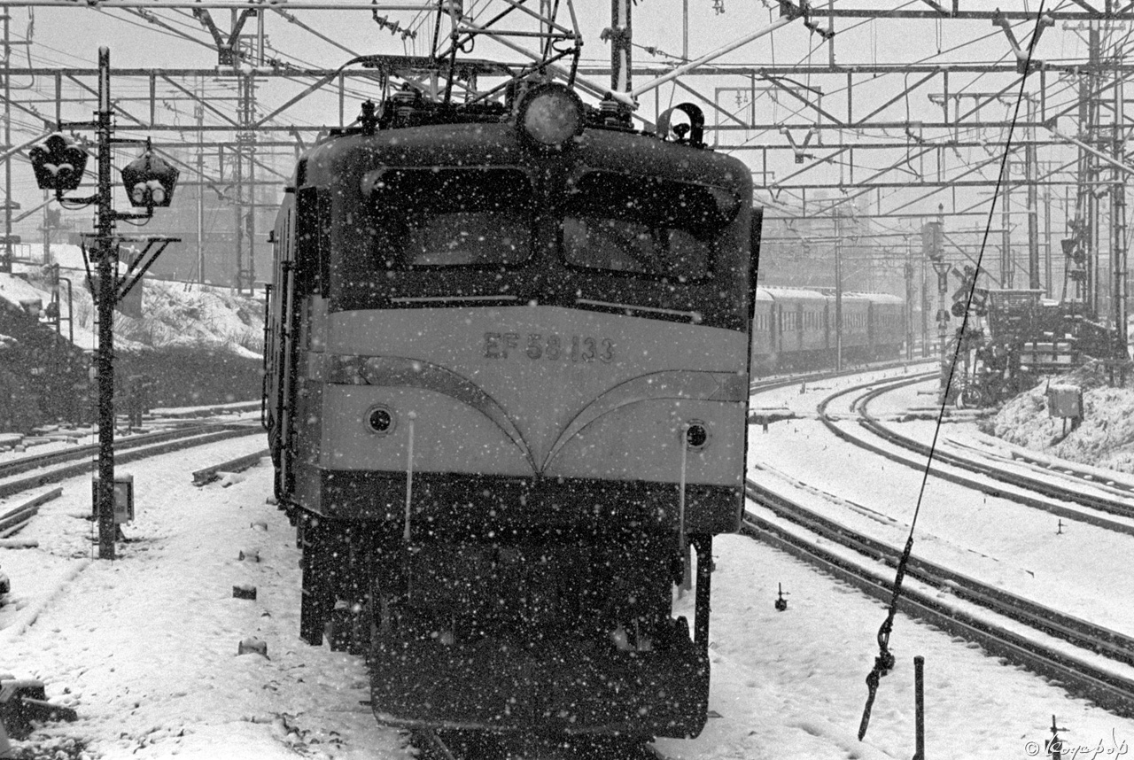 89C210-電気機関車x1280