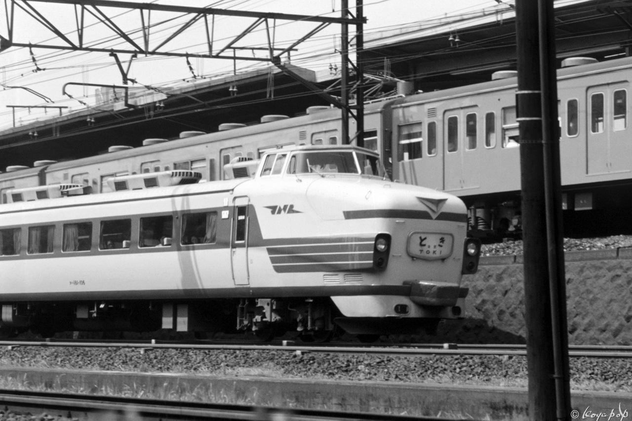 276-ときx1280-BW