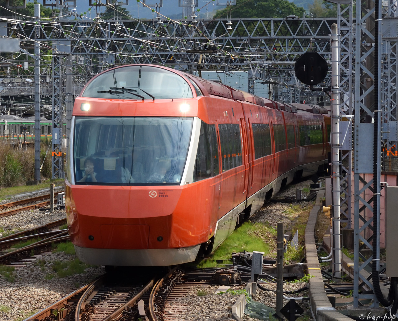 190522R-678x1280小田原駅AA