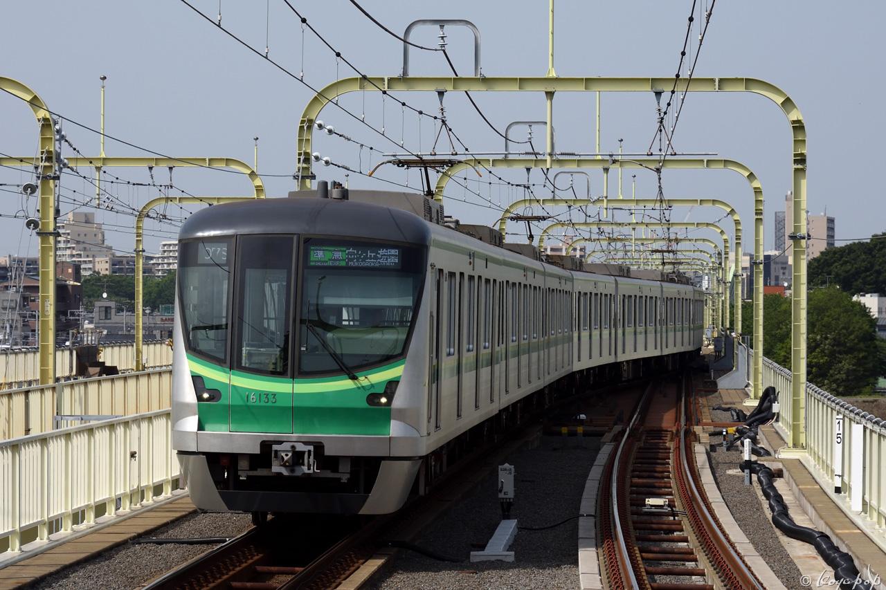 180516R-091x1280