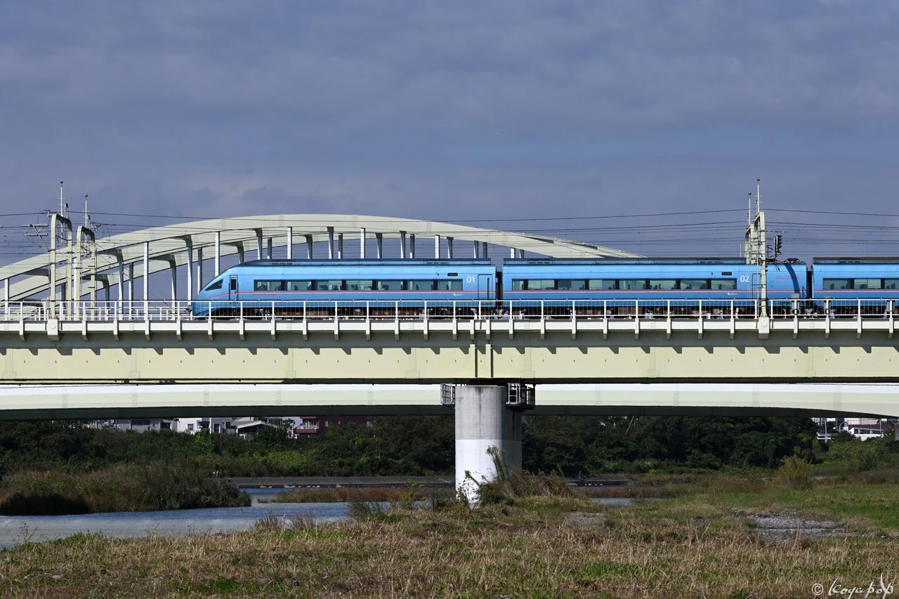 201021M-073x1280 AA