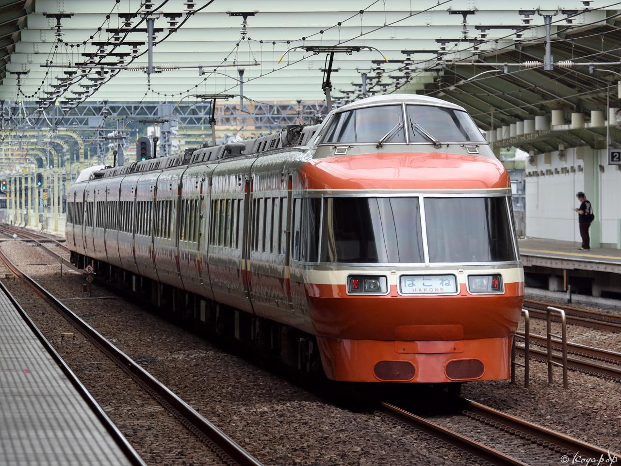 180519R-036x1280-d-2