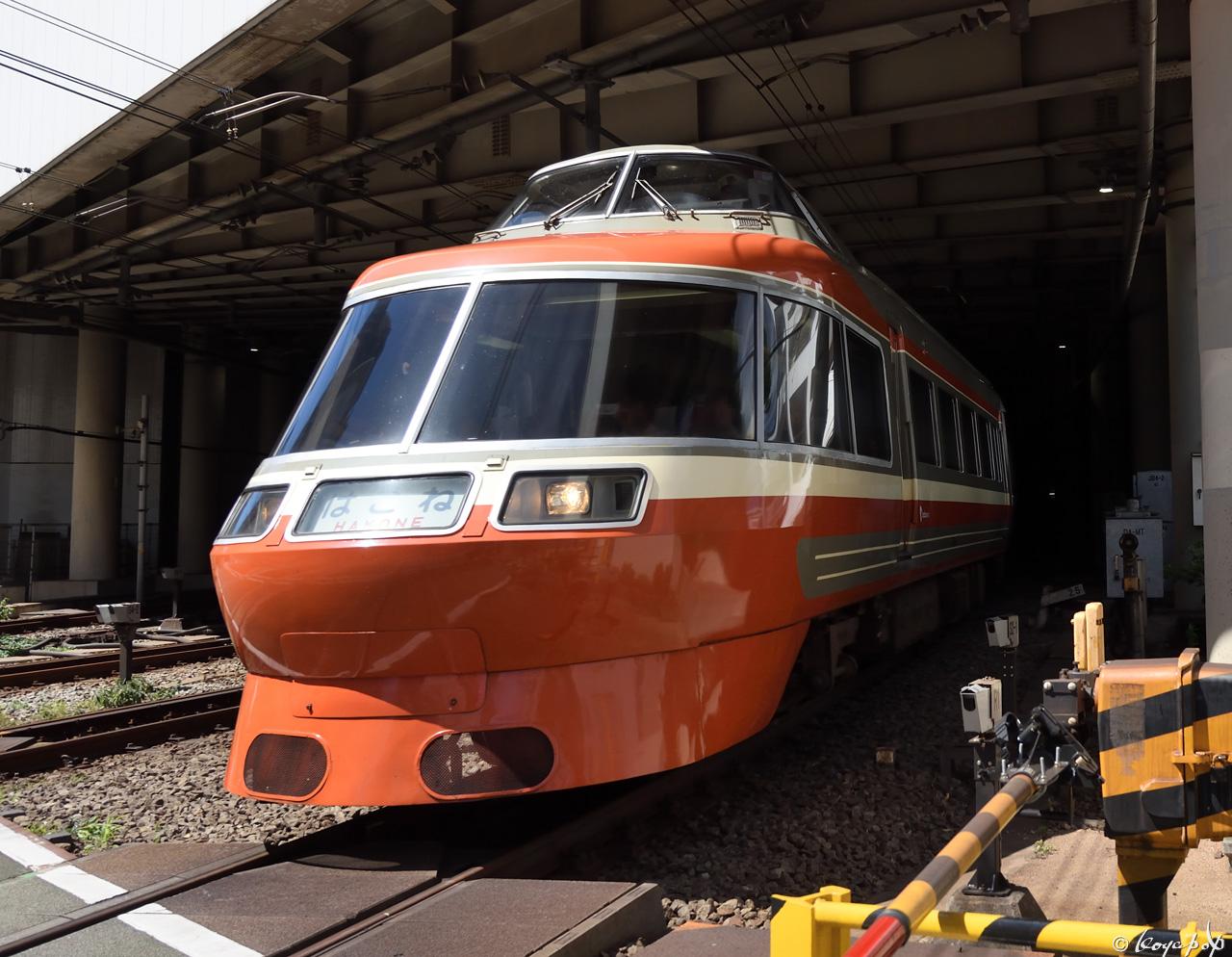 180630R-168x1280