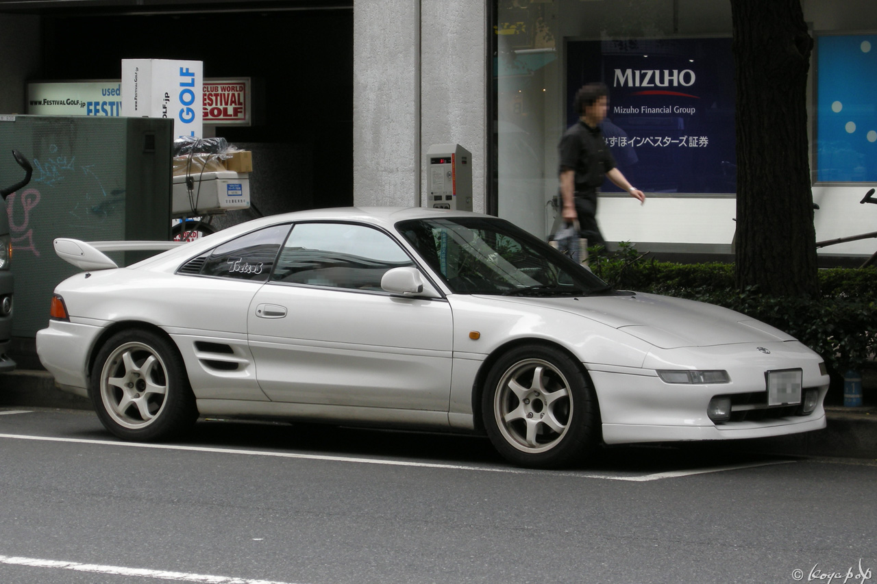 09 toyota mr2 090806-502x1280