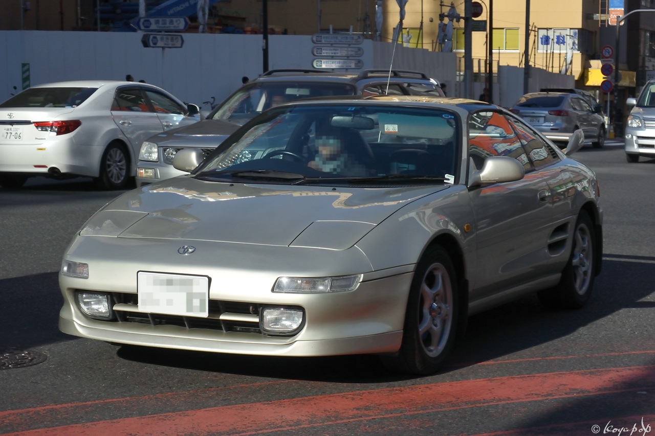 11 toyota mr2 160104R-052x1280
