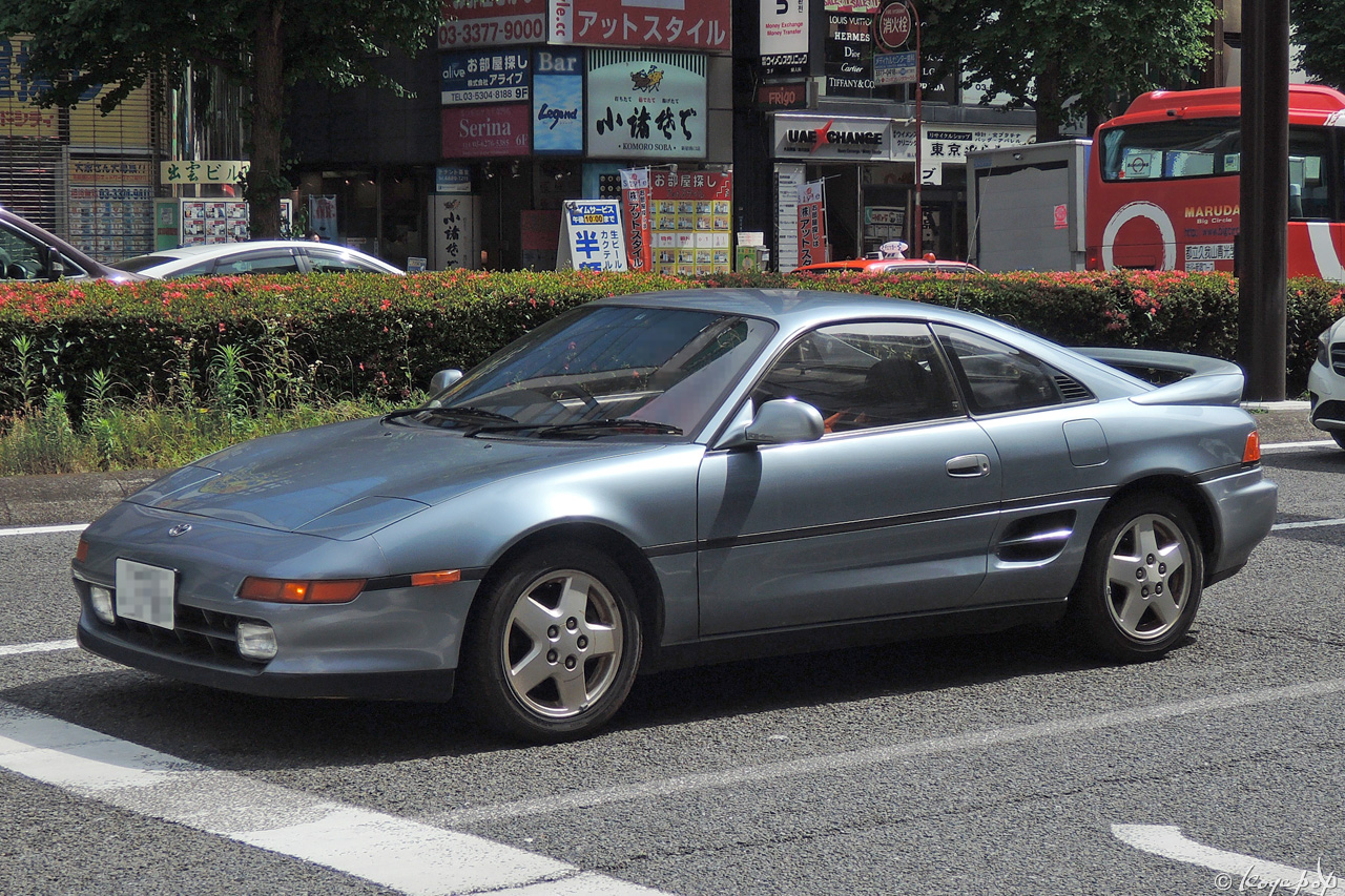01 toyota mr2 140528-545x1280