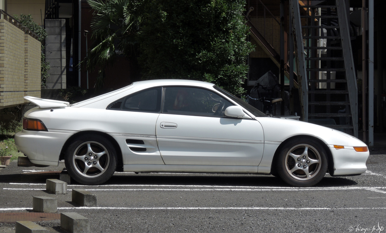 05 toyota mr2 130831-505x1280