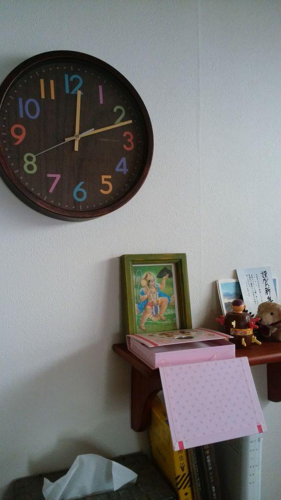 シェアハウスの掛け時計が・・・