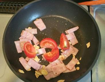 ベーコンとトマト