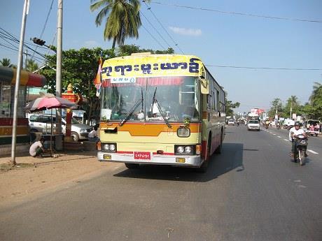年末年始ミャンマー・マレーシア旅行2013-2014 3日目 ~ヤンゴンから電車でバゴーへ!お寺巡りはバイクタクシーが超便利だった~