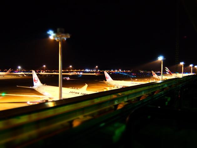 GWフライング旅行:ハワイ島1日目 ~またしても窓がない座席を引き当ててしまったJAL770便のシート18A…(泣)!~