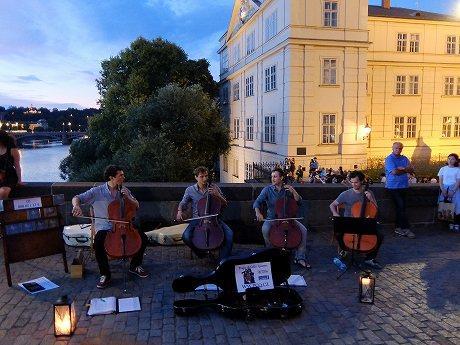 人は10日間でどれだけ海外旅行を楽しめるのか?夏休みは中欧に行ってきた! ~2日目、ドバイ経由でチェコのプラハに到着!~