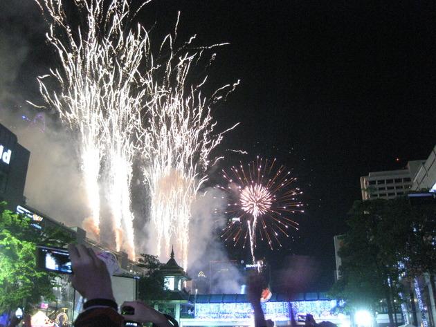 2012年→2013年、バンコク(タイ)での年越しカウントダウン花火