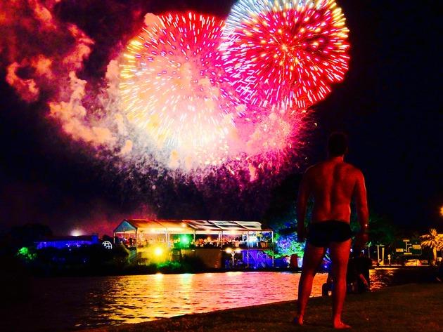 パースの年越しカウントダウン花火はここで見られるぞ!@西オーストラリア。そしてこれまでの海外での年越しをまとめてみました。