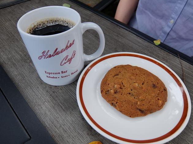 コーヒーとマカダミアナッツのクッキーと